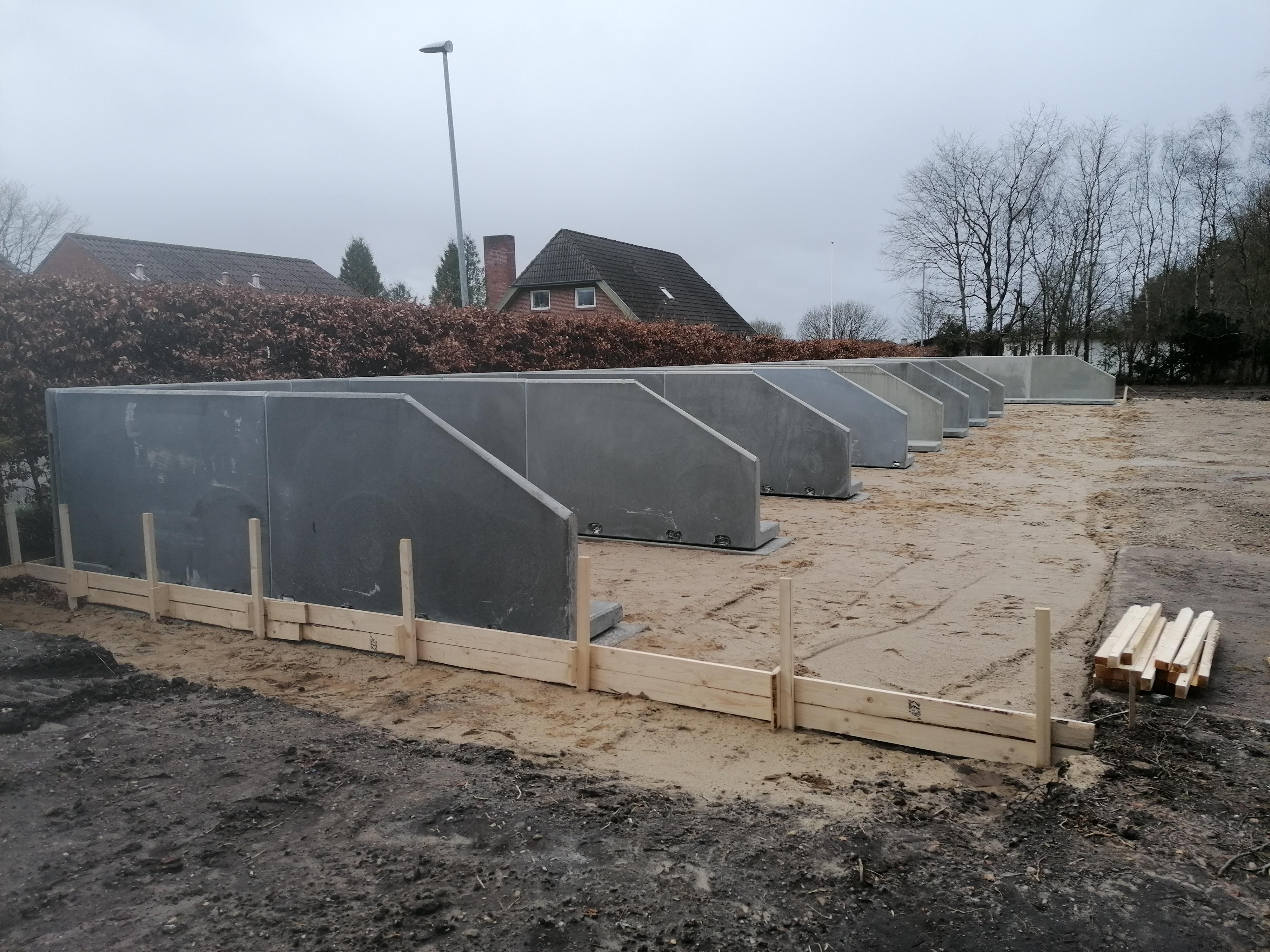 Båsesystemer - L-150 - Indretning kirkegård - L-elementer - Opbevaring af materialer