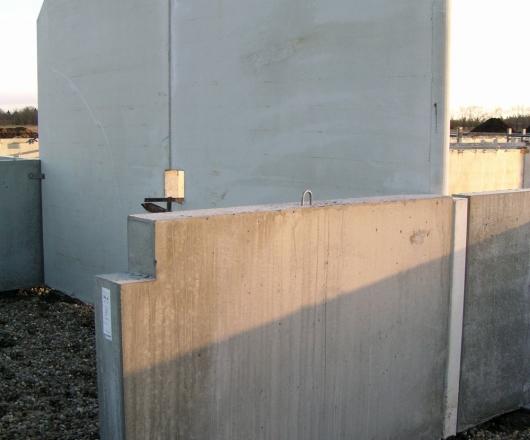 Vaskevæg Inden Gangplader Er Monteret På Kanalerne